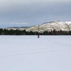 Taistelulähetit etenevät vauhdilla Norjan paksusta lumikerroksesta huolimatta