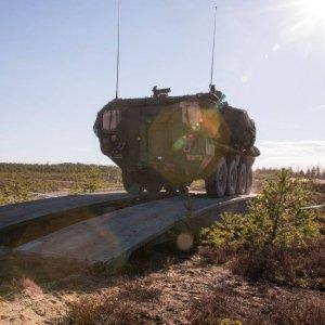Siltapanssarivaunu käytössä.
