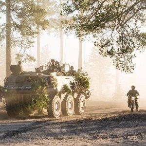 Aurinko laskee mutta taistelijat ovat valmiina – kohti seuraavaa tehtävää!