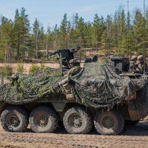 Stryker-ajoneuvot soveltuvat hyvin Pohjankankaan hiekkaiseen maastoon