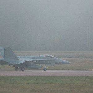 Usvaa Ruskassa - Hornet