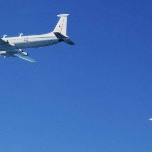 Il-22 & Su-27
